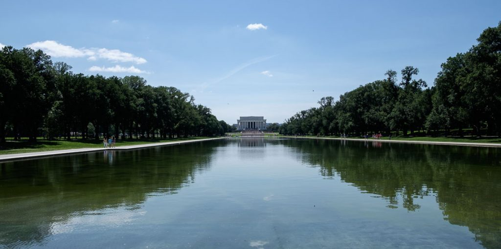 Reflecting Pool and Lincoln Monument